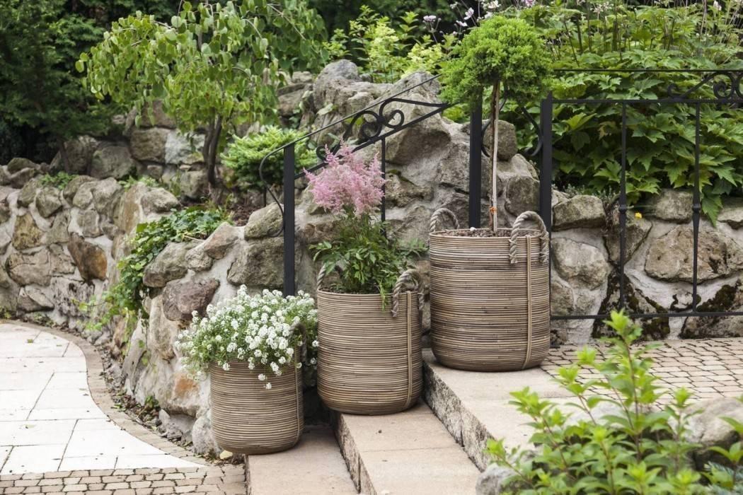 Velké květináče na terase - vdechněte zahradě život!